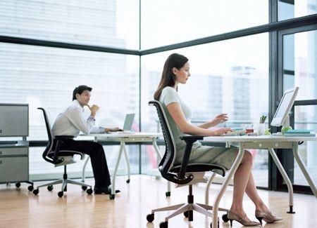 久坐容易损脑伤胃 白领女性久坐易致7大问题