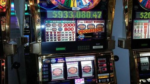 乘客在拉斯維加斯機場玩老虎機贏近百萬美元大獎