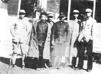 1938年10月,八路军山东抗日游击队第三、四、八支队负责人韩明柱、姚仲明、霍士廉、廖容标、马耀南、张文通(从左至右)合影。