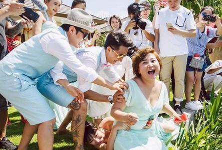 韩庚致歉柳岩微博自黑 揭明星婚礼成闹剧真因