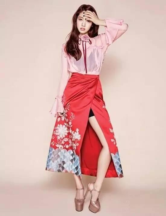 这么会穿搭的她,已经做了快十年的韩国男神收割机