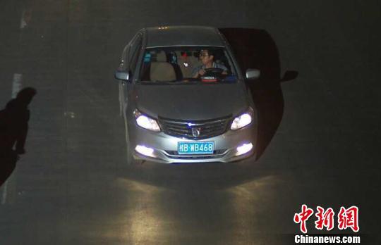 图为交通智能系统抓拍肇事嫌疑人 李宗亮 摄