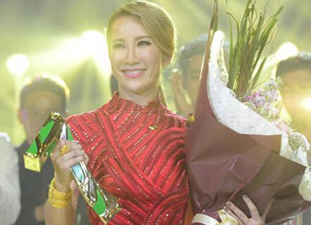 《我是歌手4》总决赛李玟夺冠 扒李玟强大朋友