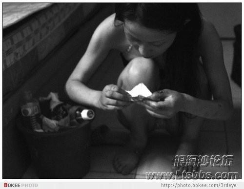 女子盗窃筹毒资 为躲刑罚6年生4个娃(图)