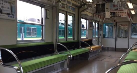 日本列车安装可升降座位 缓解早晚高峰时拥挤状况
