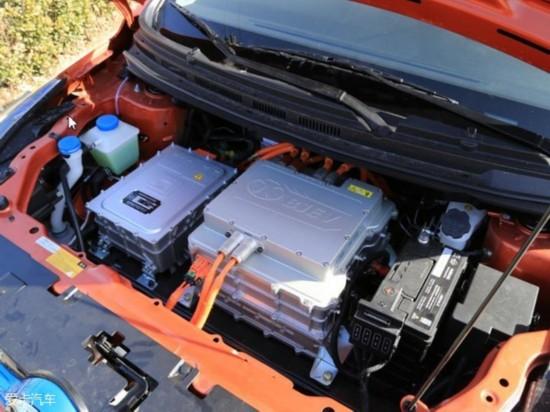 """作为一款专业级纯电动SUV,EX200还应用了""""驾乘空间最优化、离地高清图片"""