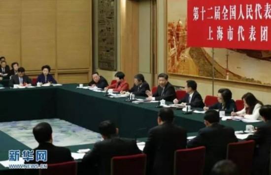 图为:2016年3月5日,中共中央总书记、国家主席、中央军委主席习近平参加十二届全国人大四次会议上海代表团的审议。