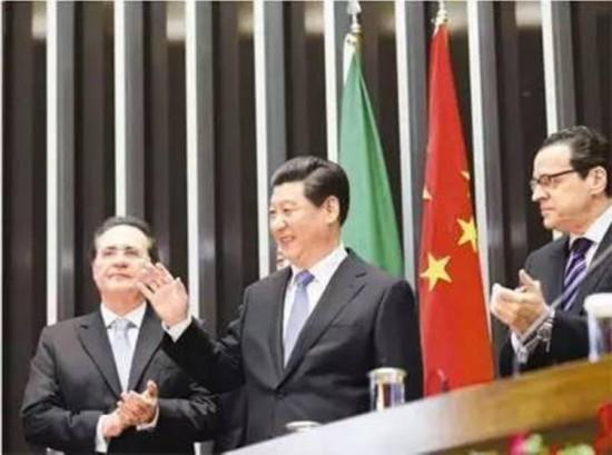 图为:2014年7月16日,国家主席习近平在巴西国会发表《弘扬传统友好 共谱合作新篇》的演讲。