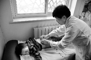儿科专家培训社区大夫捏脊 儿童保健进社区