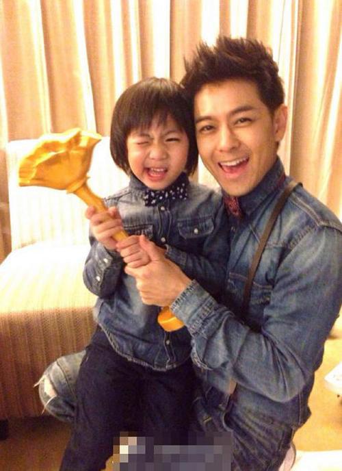 2013年林志颖携儿子小小志一起参加湖南卫视综艺节目《爸爸去哪儿》再攀事业高峰;同年担任安徽卫视《超级演说家》导师;2014年4月继续担任《超级演说家第二季》导师。
