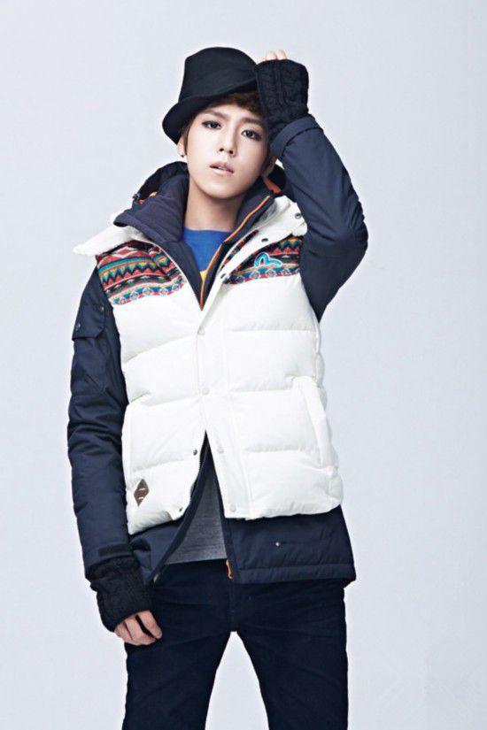 李�t雨,1993年3月23日出生于韩国,韩国男演员。