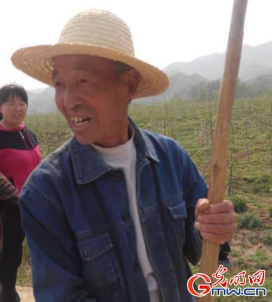 """【网络媒体走转改】易县:产业""""造血""""实现精准扶贫"""