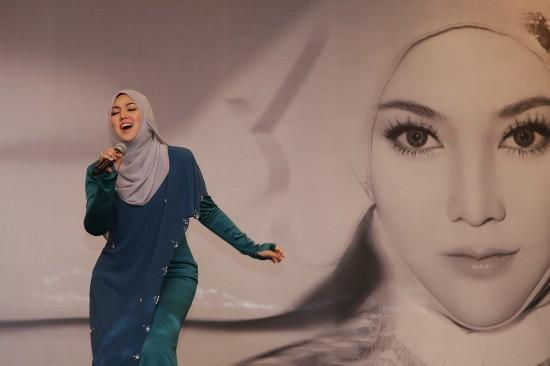 马来西亚燃情电音天后茜拉深情发布首张国语大