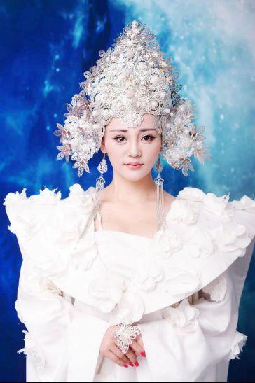 李越昕蕾原创歌曲《只想做你的公主》发行