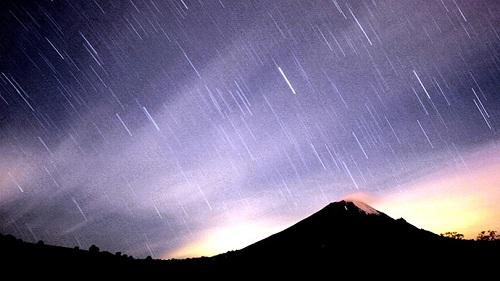宝瓶座流星雨来喽!极大时北半球每小时可观10颗