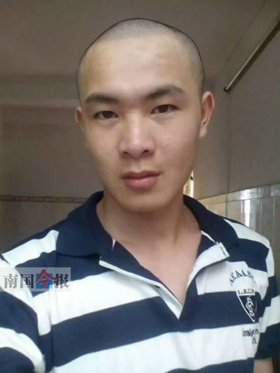 患重病 男同学剃光头用头发拼成她的靓照