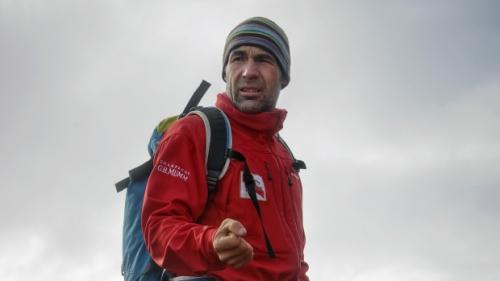 不可能的挑战:瑞士探险家欲360度环绕地球两极