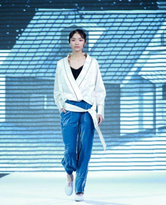 第十六届中国青岛国际时装周 张一华谢丽薇时装作品发布