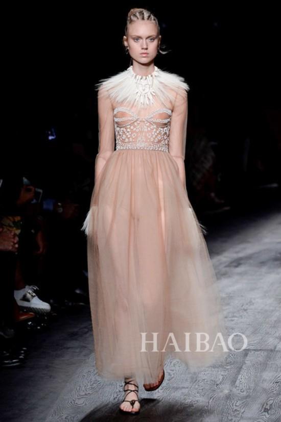 2016春夏巴黎时装周:华伦天奴 (Valentino) 女装秀