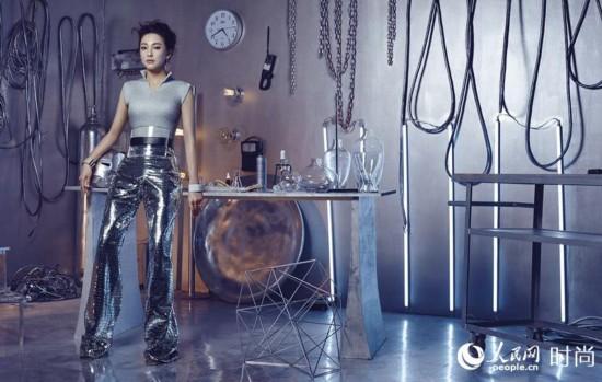 张雨绮时尚机械姬造型 科技感展现未来主义