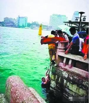 惠州游客跳海救落水女子 团友:他有高血糖症