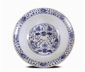 明永乐十六年(1418)叶氏墓青花莲池鸳鸯纹碗