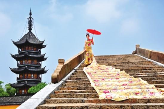 丝绸文化在蚕丝古镇震泽得到美丽传承