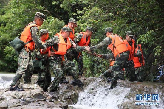 (突发事件)游客在广东江门漂流时突遇山洪 死亡人数增至8人