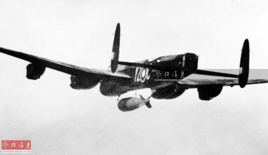 二战英国造巨型炸弹 摧毁大坝战列舰