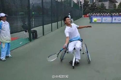汶川地震为救同学失去右腿 如今他成世界冠军