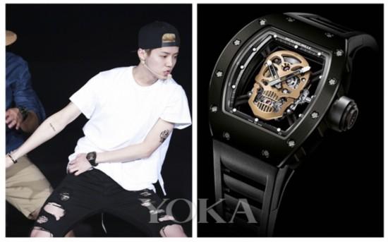 鹿晗reloaded个人演唱会佩戴奢华运动品牌Richard Mille Skull RM52腕表