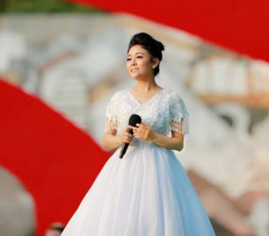 阿鲁阿卓亮相央视端午特别节目美丽中国祝福漓江