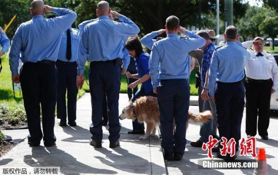 在德州的一家兽医医院,Bretagne接受了安乐死。在进入医院前,当地的消防员志愿者对他进行夹道送行并敬礼。Bretagne患有肾衰竭,并且停止进食。