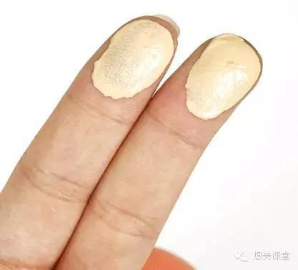 化妆刷VS粉扑VS手,粉底液用什么涂最好?--时尚--人民网