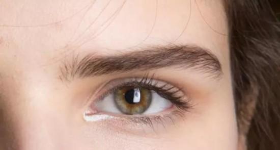 天啊 原来有一个白色的眼线这么高级