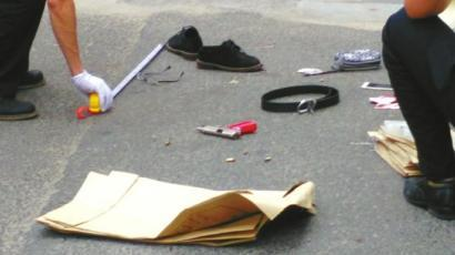 四川两女毒贩劫持五人质开枪拒捕 5秒解救人质