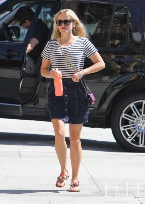 条纹T恤称霸街头 欧美女星最爱这件街头单品