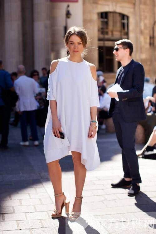 白色衣物色架设配 几个小技巧让你成为时尚宠男