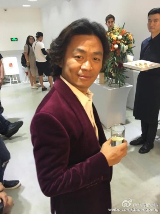 王宝强与李咏撞发型