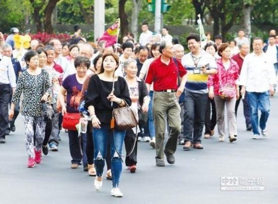 陆客赴台数持续下降将,岛内旅游业雪上加霜。(图片来源:台湾《中时电子报》)