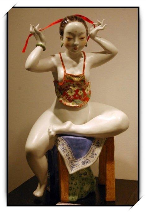 【图文音】现代仕女瓷器作品欣赏