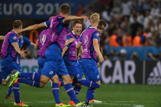 (欧锦赛)(1)足球——冰岛晋级八强