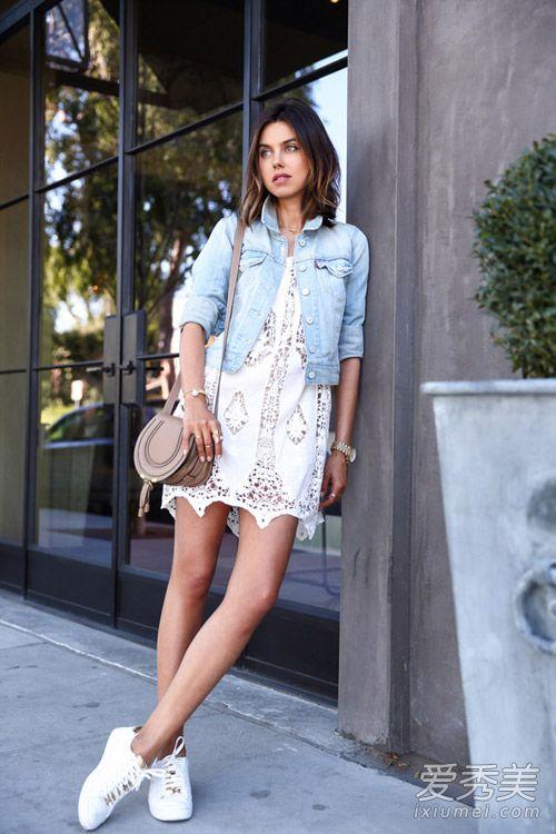 夏天穿裙子配什么鞋 球鞋百搭显活力 裙子配运动鞋