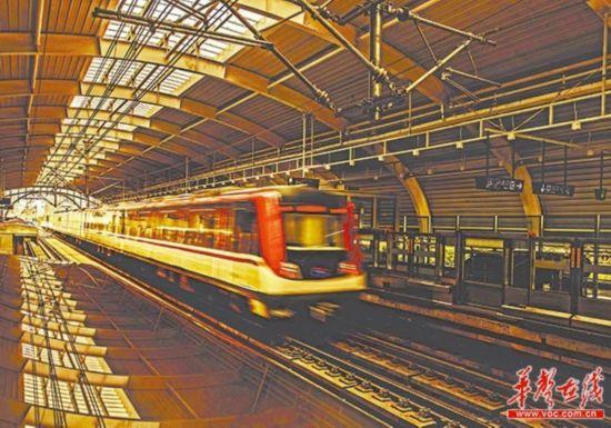 6月28日上午,长沙地铁1号线尚双塘站,列车抵达终点站。当天,长沙地铁1号线正式开通试运营。湖南日报记者唐俊田超摄影报道