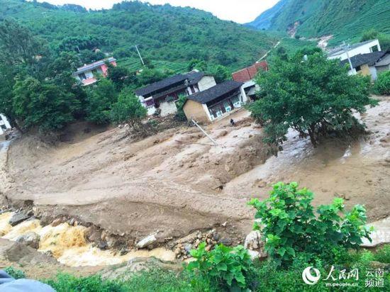 6月29日19時,保山市隆陽區瓦馬鄉小河村小河組發生山洪泥石流自然災害,1人失聯。(王慶永 攝)