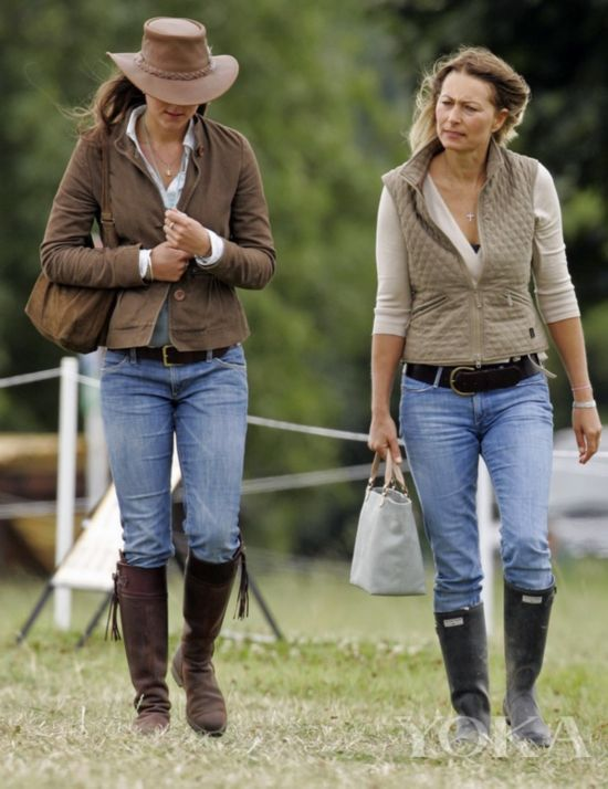 凯特王妃与母亲衣品神相似 十张图就是例证
