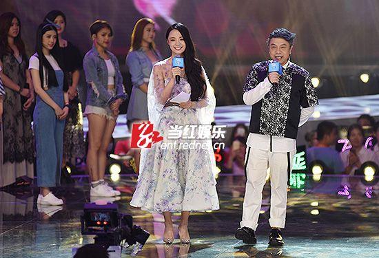 《超级女声》决赛首场唱了6小时 蔡康永携手李莎�F子主持