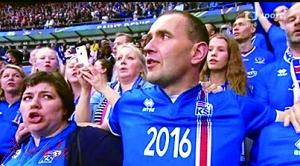 欧洲杯挪威首相不坐包间穿队服到歌迷看台呐喊助威(图)
