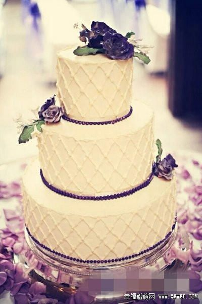 婚礼上专属十二星座的蛋糕