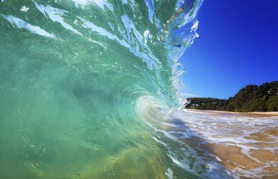 澳大利亚冲浪摄影师独特角度拍浪花 美轮美奂(图)【3】
